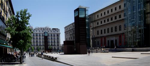 Plaza del Emperador Carlos V. Madrid_España