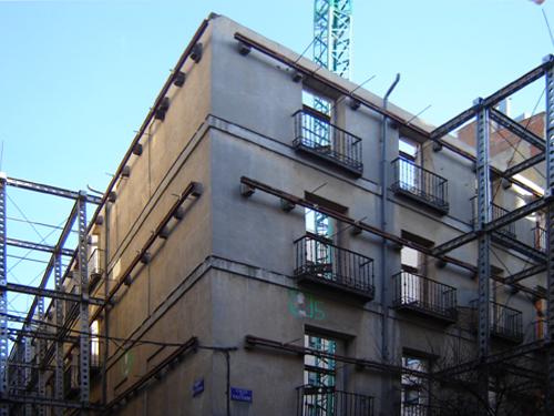 Rescate y restauración de los planos exteriores de un edificio del centro. Madrid_España. 2008