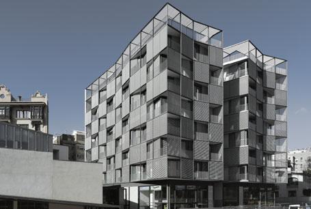edificio-de-viviendas-en-plaza-lesseps