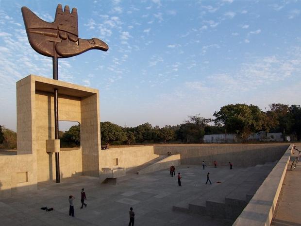 Monumento Mano Abierta. LC. Chandigarh