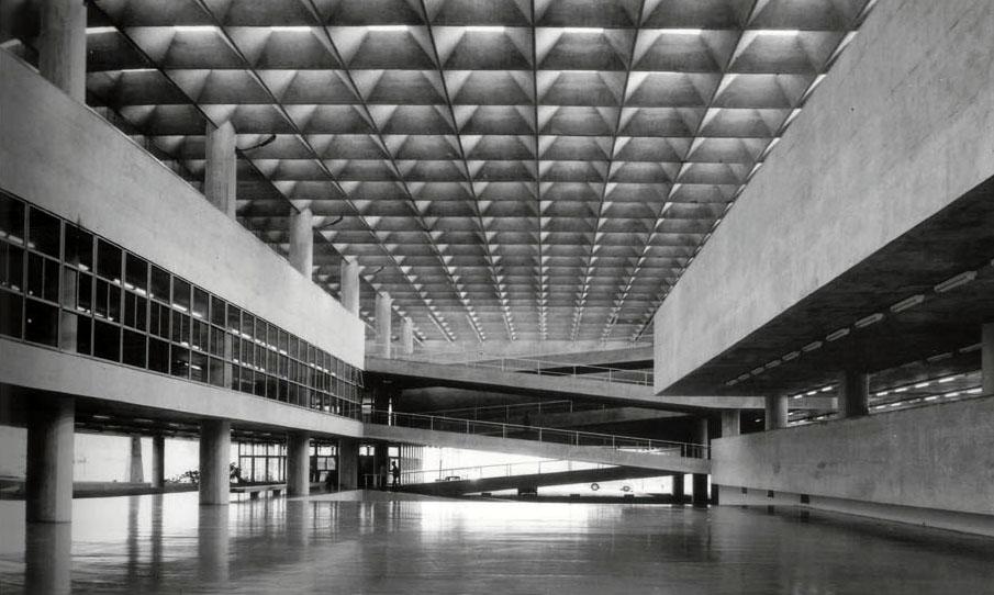 Facultad de Arquitectura y Urbanismo. U. Sao Paulo. V. Artigas / C.Cascaldi. 1961