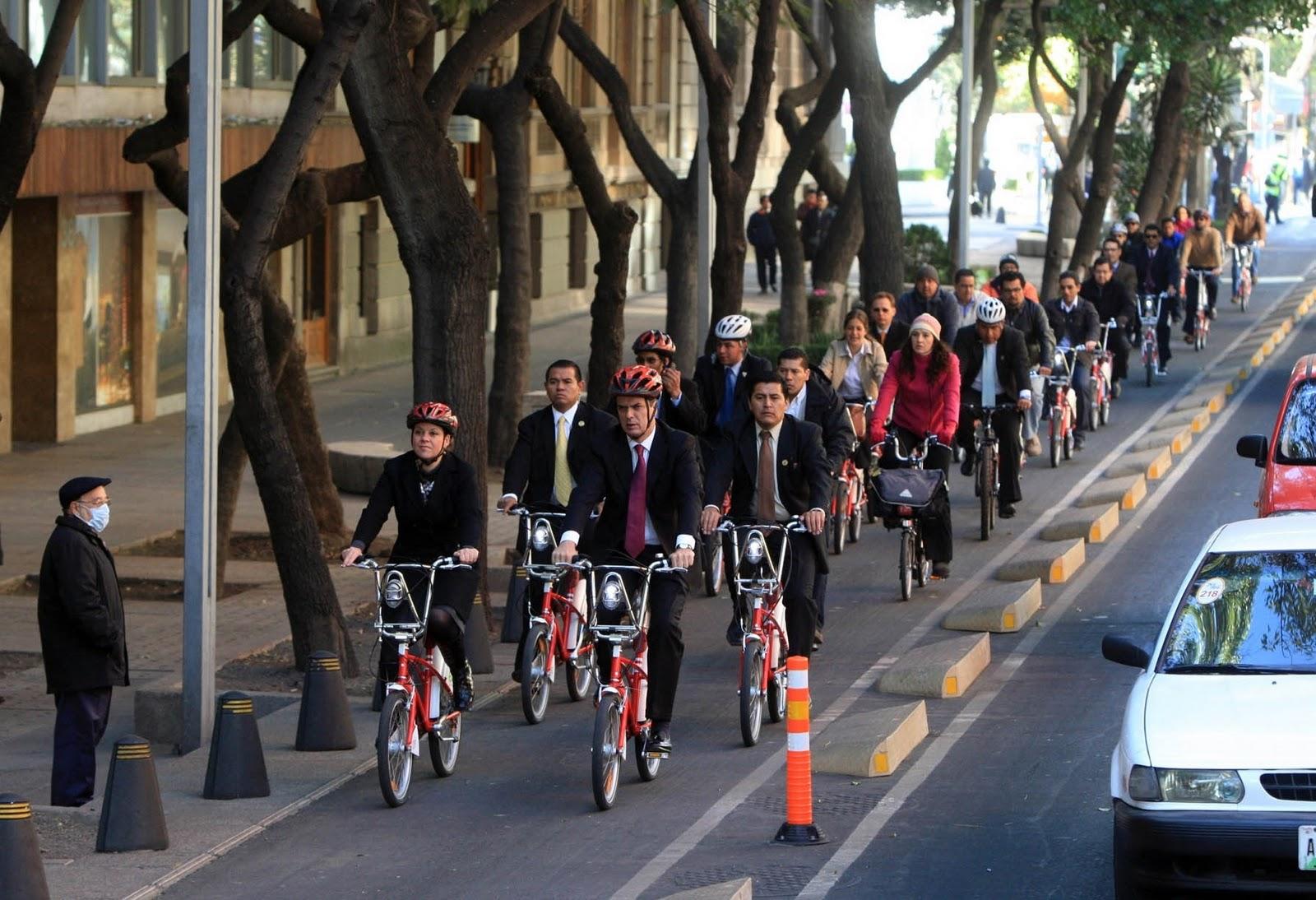Ciclovía del Paseo de Reforma. México DF. Fotografía: Ebrard Delgado.